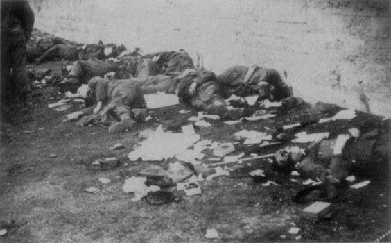 Executed German soldiers and camp guards at Dachau