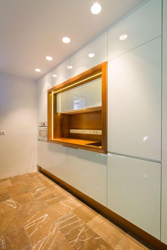Cocina. Reforma de vivienda en Granada. Arquitectura: S+H arquitectos