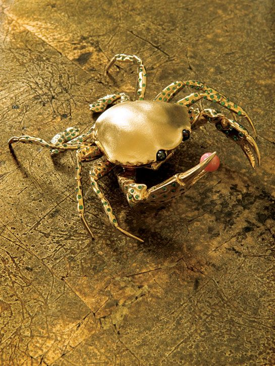 Crab brooch | Suzanne Syz art jewels #jewelry #design
