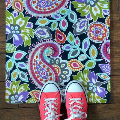"DIY Fabric  + Mat = Amazing throw ""Rug"""