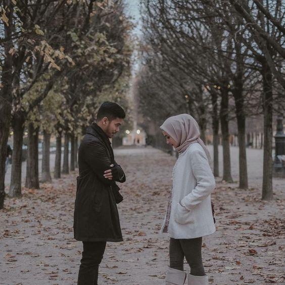 percapan dengan gadis berjilbab di taman