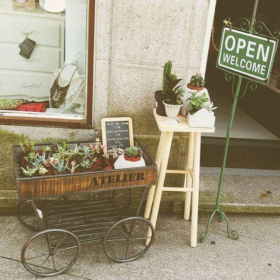 Porque na 7eva o que se vende é  tendência.  Olhem só  estes cactus tão amorosos  para criares um ambiente único na tua casa!#cactus #lifestyle #instant #instafollowers #instalike #homedecor #spring #space #place #decorations #shoplocal #7eva_design