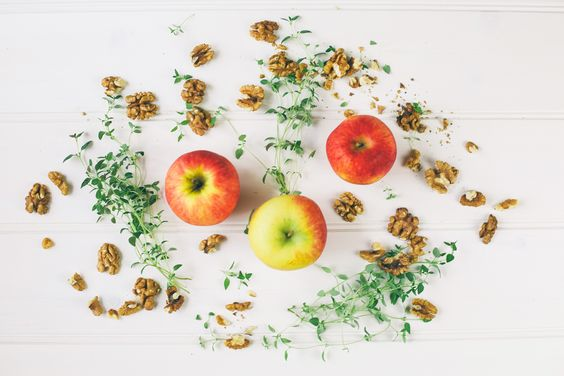 Vegan Apple, Walnut & Thyme Soup! Recipe @ ---->  theglowwithin.com