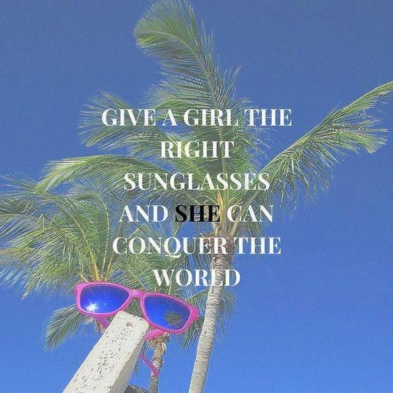 Dê a uma garota os óculos certos e ela poderá conquistar o mundo  Jazz & Co.  #soujazz #sunglasses #eyewear #lojajazz #shades #style #ootd