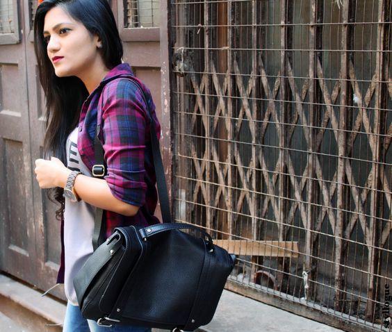 Plaid #plaid #plaidshirt #moccasins #backpack #fallfashion #falltrends #bloggers #fashion #style #styllogue #styling #layering #zara #topshop