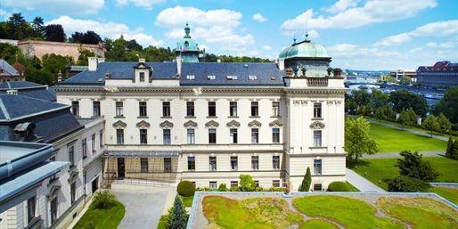 89 € -- 3 Tage Junior-Suite in Prag & City-Tour, 48% sparen