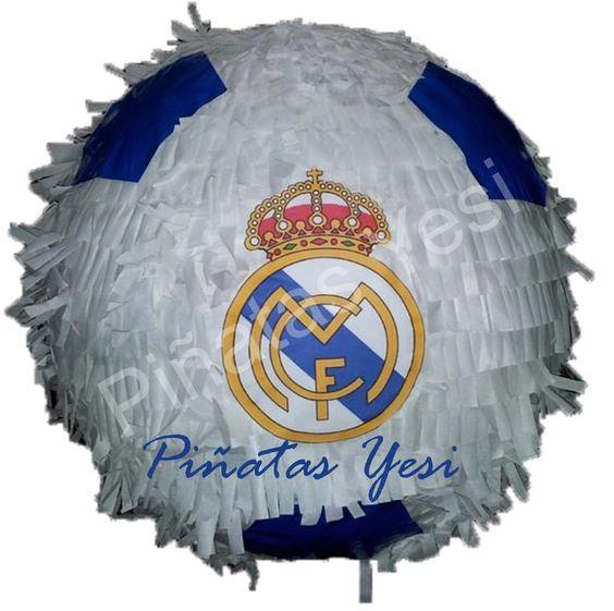 Piñata artesanal hecha a mano al estilo tradicional mexicano del Real Madrid