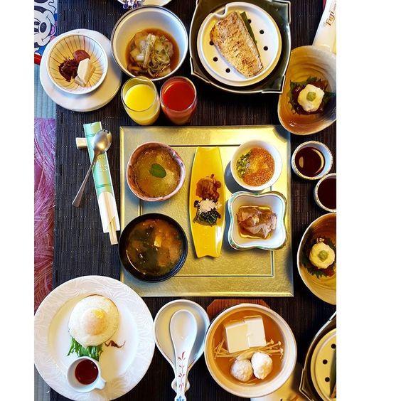 รร.นจะเสรฟอาหารเชาเปน #kaiseki ทกวนไมมบฟเฟทนะกอดกลบไปจะไดไมอวนนะ #food #japanesefood #kobe #japan #likes by nucha_r