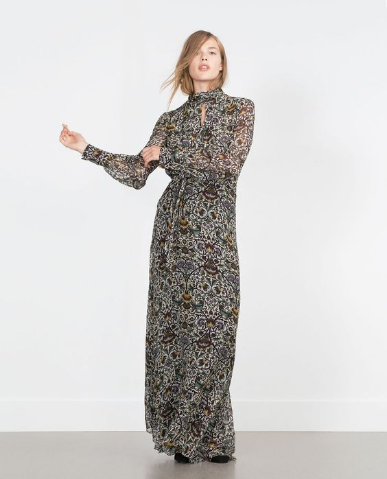 Imagen 1 de PRINTED LONG SLEEVE MAXI DRESS de Zara