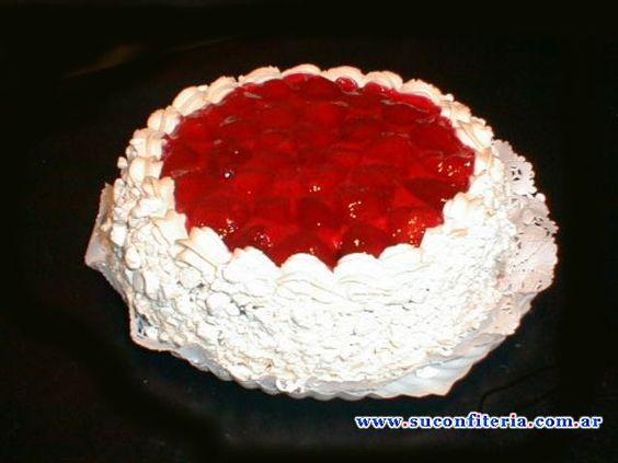 Tarta de frutillas con crema chantilly