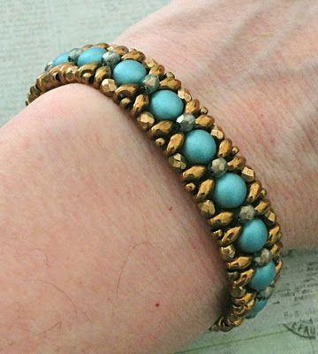 Linda's Crafty Inspirations: Bracelet of the Day: Demoiselle Bracelet - Teal…