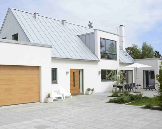 18 Stunning Exterior Design Ideas In Scandinavian Style Brick Exterior House House Paint Exterior House Exterior