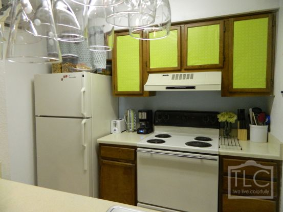 Rental decorating poster boards and apartment kitchen on for Rental kitchen ideas