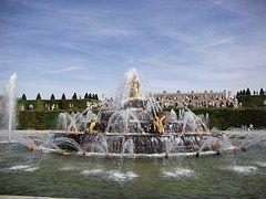Paris, Versalis, Fonte