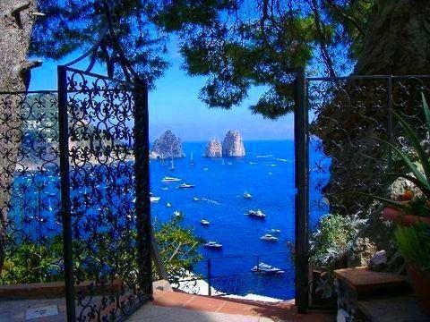 Portão para o Oceano,Ilha de Capri