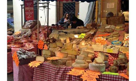 Marché Mouffetard Market