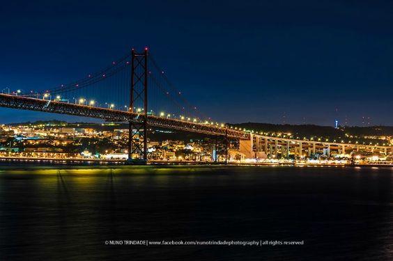 Ponte 25 de Abril, Lisboa Foto Nuno TrindadePlanejando sua férias em Lisboa? Então confira algumas dicas super especiais!!  #Portugal #VisitPortugal #Férias #ENV