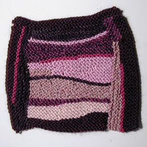 Tutorial on adding curves and improvisation to log cabin square using short rows