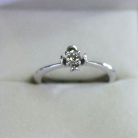 D I S P O N I B L E  Anillo de compromiso en forma de flor con diamantes oro blanco 14k
