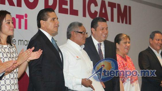 El gobernador de Michoacán destacó la labor de la institución, sobre todo en la Tenencia de Cenobio Moreno, y entregó reconocimientos a los docentes; el director general, Juan Carlos Barragán, ...