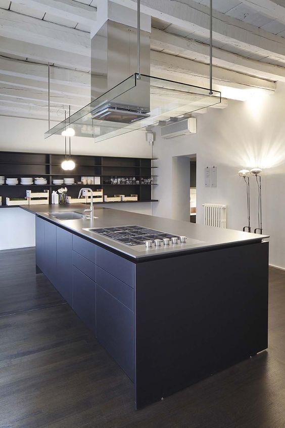 Cocina en vivienda rehabilitada isla central para - Suelos para cocinas ...