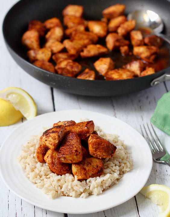 A 15-minute paprika chicken recipe that uses on-hand ingredients for big flavor! | FamilyFoodontheTable.com: