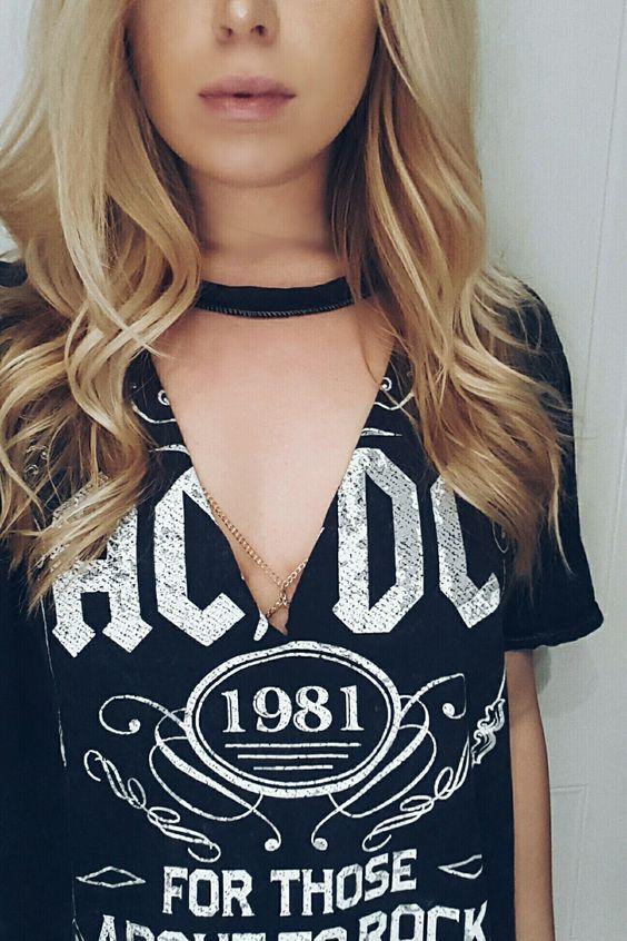 T-Shirt com chocker