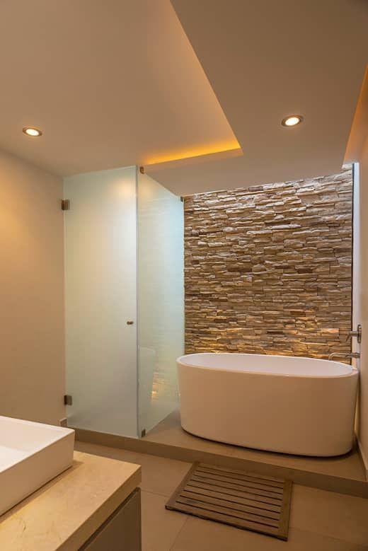 Wande Mit Stein Verkleiden Diese 15 Ideen Sind Traumhaft Schon Moderne Badezimmer Von Romero De L In 2020 Badezimmer Modernes Badezimmer Zeitgenossische Badezimmer
