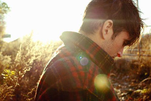 Eu jurei que por você, eu iria contra todos. E eu fui, mas contra poucos. Quando você decidiu ir embora, eu não sabia mais o que fazer, eu havia cometido um erro, ao dizer a verdade. Eu tinha feito aquilo por você, apenas por você. E você jogou fora, todo o sofrimento que passei depois daquilo.