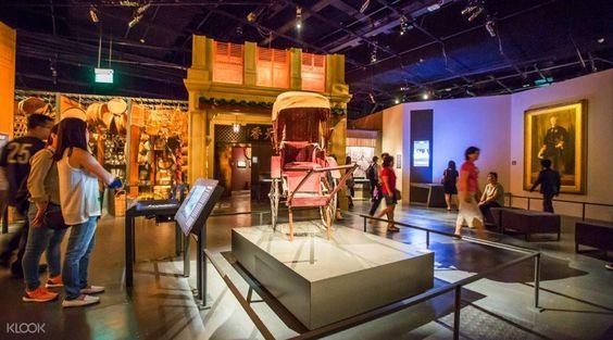 Film and Wayang: gồm những vật dụng cùng với trang phục của người Hoa sử dụng trong thời kì đầu.