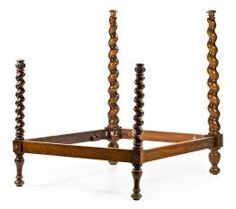 Cama española en nogal torneado en espiral, de principios del siglo XVIII