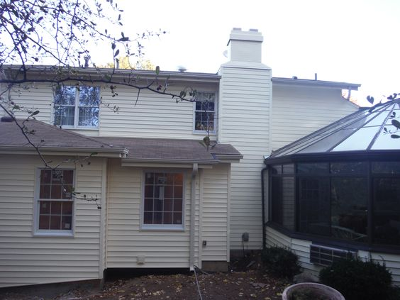 Picture of the vinyl siding replaced with HardiePlank