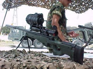 Nombre: Accuracy International Arctic Warfare  Calibre: 7,62mm x 51 OTAN  Pais: Reino Unido  Alcance: largo (800 metros)  Creacion: Mediados de la década de 1980  Capacidad de Carga: 5 / 10 balas  Dimensiones: 1,1 m de largo (66 cm el cañón)  Peso: 6,3 kg (vacío sin mira)
