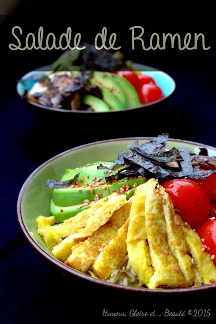 http://humour-gloire-et-beaute.blogspot.fr/2015/08/salade-de-ramen.html?utm_source=feedburner  Salade de Ramen (2pers):      2 sachets de nouilles instantanées (type les Yum Yum que vous trouvez partout) http://www.yumyumfoods.com/     2 œufs     1CS de crème liquide     1cc de sucre     Sel     ½ cc de sauce soja     Huile de tournesol     1 feuille d'algue nori séchée et coupée en lanières     60g de chair de crabe     4 belles crevettes cuites, décortiquées et déveinées     Une poignée de…