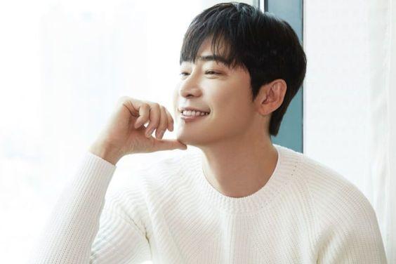 Kang Ji Hwan In Talks To Lead New Time-Slip Drama