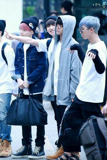 Suga, Jungkook, V e Rap Monster