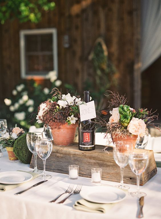 This couple wanted an intimate vineyard wedding that reflected their usual entertaining style – close family and friends, an al fresco family-style meal, and drinking wine fireside.