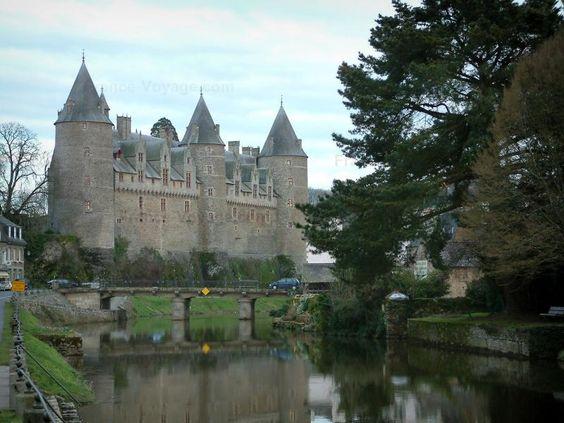 Josselin: Castillo del Río (Oust) y los árboles - France-Voyage.com