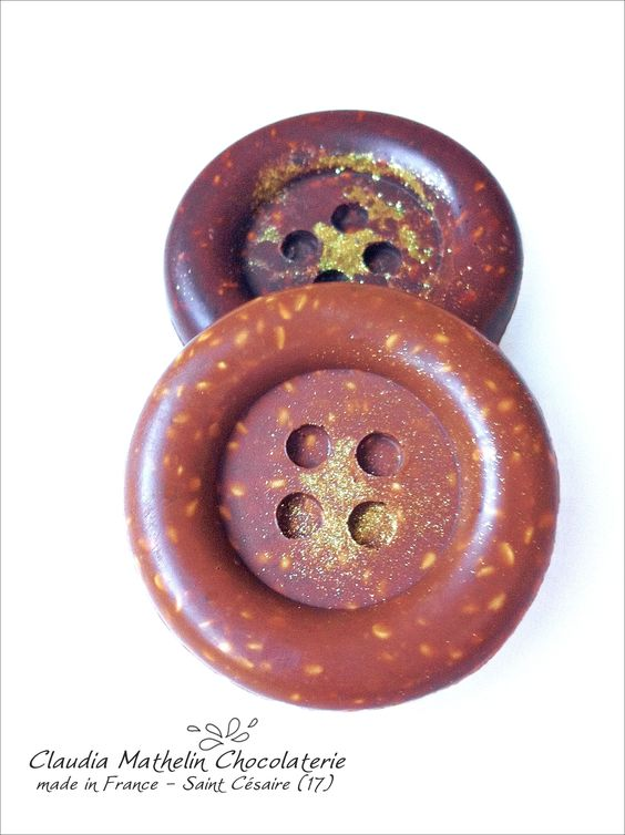 Boutons au chocolat noir et lait avec graines de sésame By claudiachocolaterie17.fr