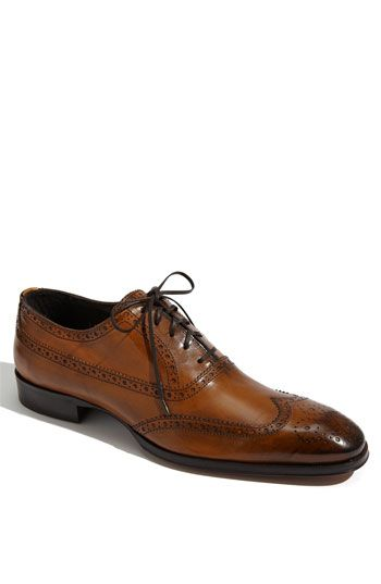 A shoe like this needs to be in every man's wardrobe.  Update the look of those black and charcoal dress pants by pairing them with this shoe instead of a black one.  Also looks great with a pair of jeans.