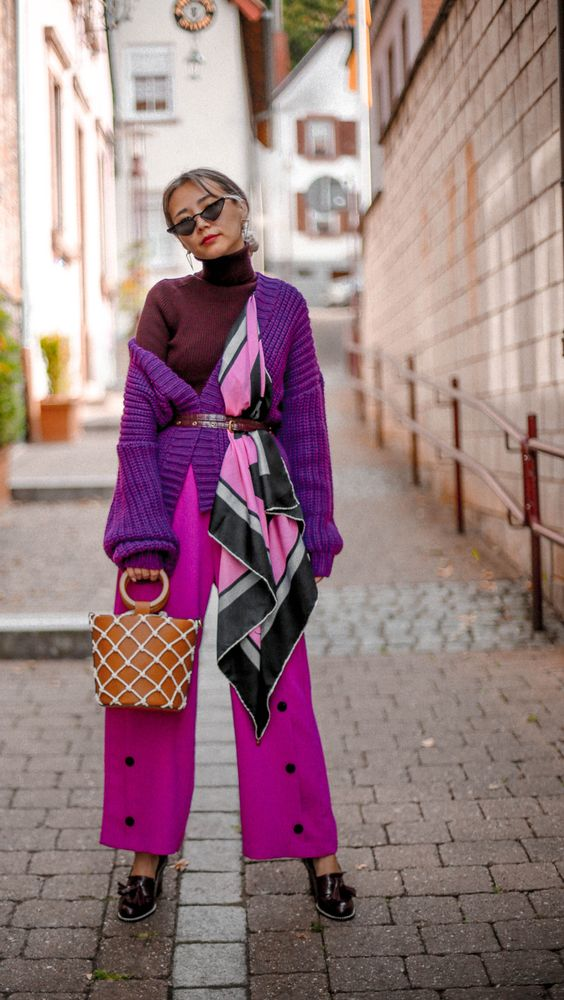 Knitwear that you can't miss - Queenhorsfall #fashion #fashionblog #knitwear #purple #burgundy #fallfashion2018 #fallfashion #style #styleblogger #silkscarf #streetstyle #chicstyle
