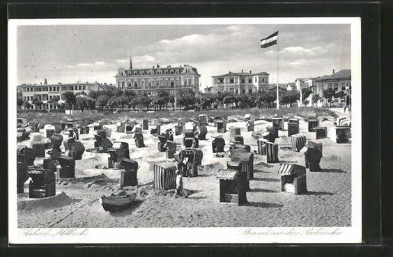 Alte Ansichtskarte: AK Ahlbeck, Strand an der Seebrücke mit Strandhotels