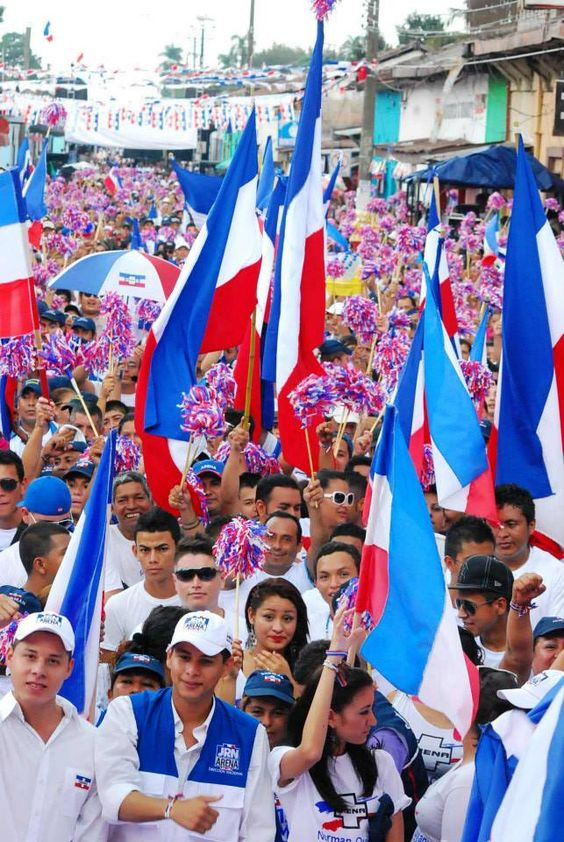 Norman Quijano futuro presidente de El Salvador en su visita a Izalco para el inicio oficial de campaña.