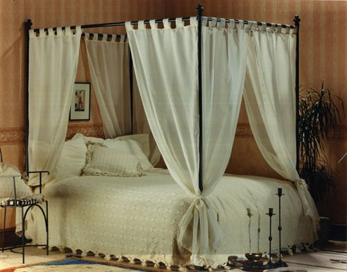 Diy canopy bed for girls bed canopy set of voile for Diy canopy bed curtains