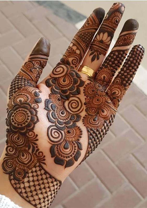 Modern henna patterns