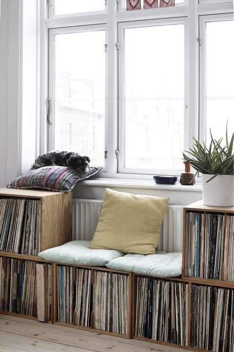 Diy Inspiration Bench Record Collection Modern And Cozy