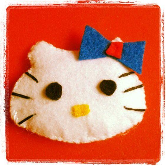 Mi nuevo broche de Hello Kitty hecho por mi!!!!!