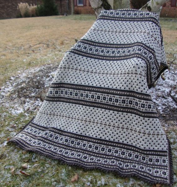 Crochet Afghan with braided border: Crocheted Afghans, Afghans Blankets, Blankets Afghans, Afghan Patterns, Afghans Pillows, Crocheted Blankets, Crochet Blanket, Blankets Pillows