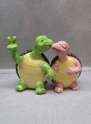 Holding Hands Turtles Salt Pepper Shakers: