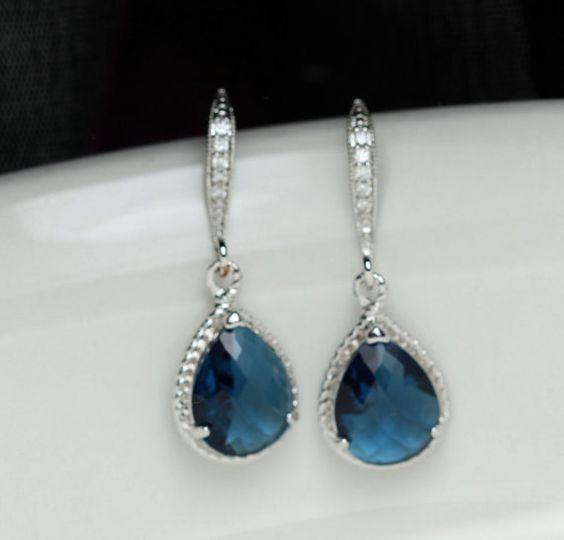 Pendientes azules de Etsy en https://www.etsy.com/es/listing/162486822/pendiente-de-montana-pendiente-azul